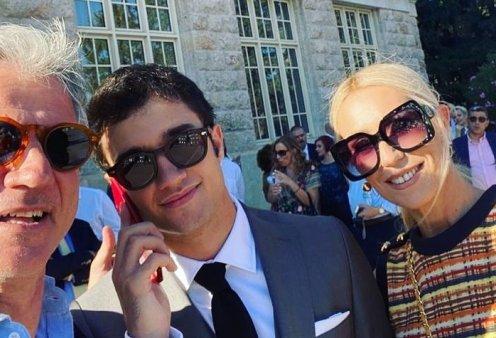 Σε κλίμα μεγάλης χαράς η αποφοίτηση του γιου της Μαρίας Μπακοδήμου & του Δημήτρη Αργυρόπουλου - Υπέρκομψη & ευτυχισμένη η παρουσιάστρια (φωτό) - Κυρίως Φωτογραφία - Gallery - Video
