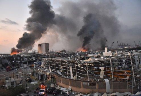 Παγκόσμια θλίψη για την τραγωδία στον Λίβανο: 100 νεκροί, 4.000 τραυματίες από τις αλλεπάλληλες εκρήξεις χημικών  στο λιμάνι  της Βηρυτού - Ακούστηκαν ως την Κύπρο - H αιτία της καταστροφής (Φωτό & Βίντεο) - Κυρίως Φωτογραφία - Gallery - Video