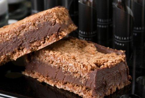 Υπέροχο σάντουιτς σοκολάτας με μπισκότο καρύδας από τον Στέλιο Παρλιαρο - Κυρίως Φωτογραφία - Gallery - Video