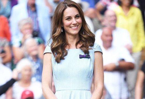 Η Kate Middleton φόρεσε το πιο στυλάτο casual chic σύνολο για το φθινόπωρο - Δεν την έχουμε ξαναδει με πιο νεανικό look (φωτό - βίντεο) - Κυρίως Φωτογραφία - Gallery - Video