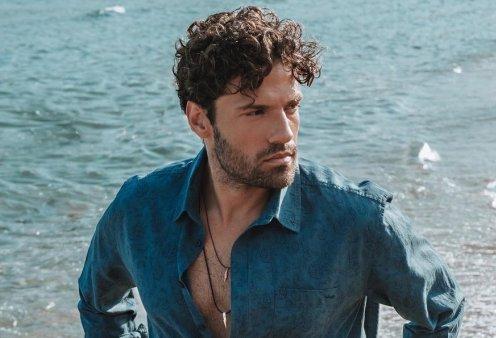 Κωνσταντίνος Αργυρός: Ο νέος γόης του ελληνικού τραγουδιού καβαλάει τη μηχανή του – Τα κορίτσια τον ερωτεύονται ξανά (Φωτό) - Κυρίως Φωτογραφία - Gallery - Video