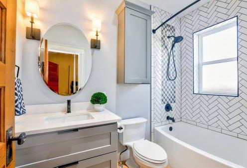 Ο Σπύρος Σούλης δίνει tips: Καθαρίστε αποτελεσματικά τα πιο βρώμικα σημεία στο μπάνιο σας - Κυρίως Φωτογραφία - Gallery - Video