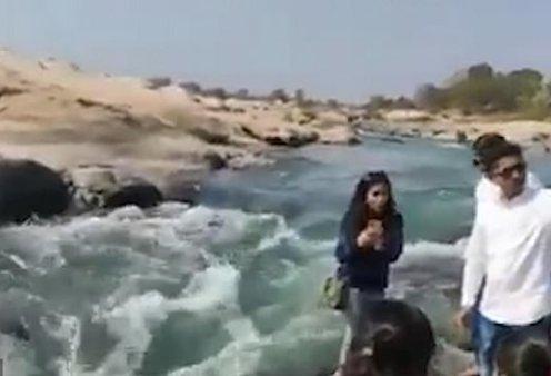 Τρομακτικό: Γυναίκα στην Ινδία πάει να βγάλει selfie και πέφτει μέσα σε ποτάμι - Έχασε τη ζωή της (βίντεο) - Κυρίως Φωτογραφία - Gallery - Video