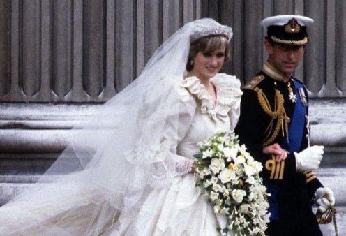 Πριγκίπισσα Νταϊάνα: Το νυφικό της στην μέση δικαστικής διαμάχης - Δύο πρώην σύζυγοι τσακώνονται για τα πνευματικά δικαιώματα (φωτό) - Κυρίως Φωτογραφία - Gallery - Video
