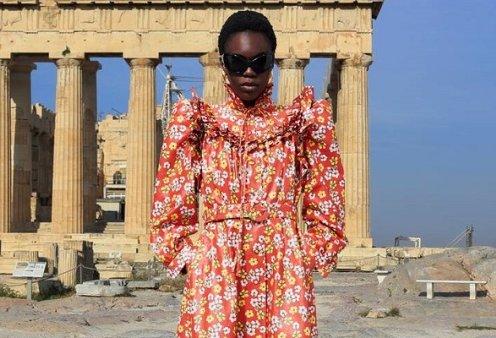 Ο Balenciaga «έφτασε» μέχρι την Ελλάδα: Η νέα κολεξιόν & το μοντέλο μπροστά στον Παρθενώνα - Ένα ταξίδι στον κόσμο (φωτό & βίντεο) - Κυρίως Φωτογραφία - Gallery - Video