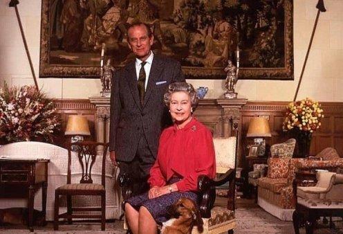 Το κρυφό ταλέντο του Πρίγκιπα Φίλιππου στη ζωγραφική: Το πορτραίτο της Βασίλισσας Ελισάβετ - Οι άγνωστοι πίνακες (φώτο) - Κυρίως Φωτογραφία - Gallery - Video