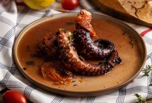 Η Αργυρώ Μπαρμπαρίγου μαγειρεύει υπέροχο νηστίσιμο χταπόδι πλοκάμι στη λαδόκολλα - Δοκιμάστε το - Κυρίως Φωτογραφία - Gallery - Video