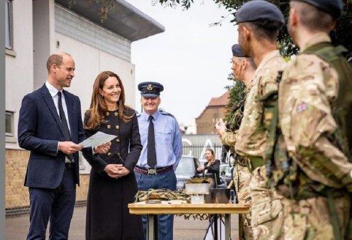 O πρίγκιπας Ουίλιαμ & η Κέιτ Μίντλετον στην πρώτη επίσημη εμφάνιση τους μετά την κηδεία του Πρίγκιπα Φίλιππου - Mε άψογη εμφάνιση η δούκισσα του Κέιμπριτζ (φώτο) - Κυρίως Φωτογραφία - Gallery - Video
