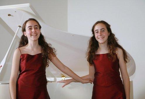 Topwomen δύο αδελφές από την Κρήτη, η Μαριάννα & η Στεφανία Καψετάκη: Ά θέση η μία & λίστα Forbes - Μεγάλη διάκριση και για την δίδυμη αδερφή της! (φωτό) - Κυρίως Φωτογραφία - Gallery - Video