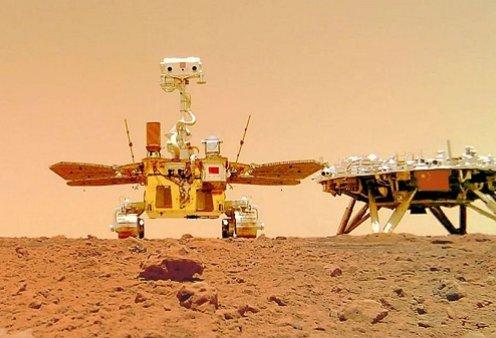 Οι Κινέζοι έστειλαν ρομπότ στον Άρη: Ο «θεός της φωτιάς» έβγαλε selfie και... την «γλώσσα» στους Αμερικάνους (φωτό & βίντεο)  - Κυρίως Φωτογραφία - Gallery - Video