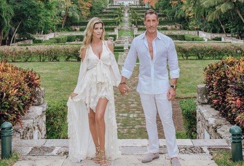 Βάπτιση πολλών καρατίων στην Αθηναϊκή Ριβιέρα! Ο ιδιοκτήτης των Hilton Ευρώπης Ανδρέας Παναγιώτου & η καλλονή σύζυγός του Αλεξάνδρα βαφτίζουν τον γιο τους! (φωτό) - Κυρίως Φωτογραφία - Gallery - Video