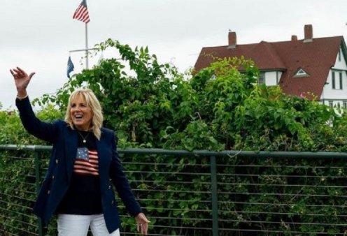 Τζιλ Μπάιντεν: Στο νοσοκομείο η πρώτη κυρία των ΗΠΑ – Μπήκαν γυαλιά στο αριστερό της πόδι - Κυρίως Φωτογραφία - Gallery - Video