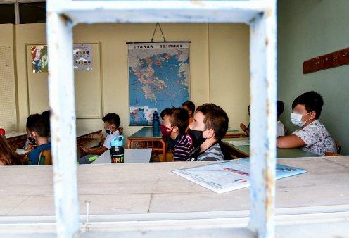Ένταση σε σχολεία του Πύργου: Γονείς αρνητές μηνύουν εκπαιδευτικούς για εσχάτη προδοσία - σύσταση εγκληματικής συμμορίας & βασανισμό   - Κυρίως Φωτογραφία - Gallery - Video