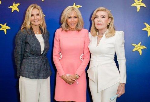 Η Brigitte Macron με την Μαριάννα Β Βαρδινογιάννη & την Μαρέβα Μητσοτάκη - η επίσκεψη στην Ογκολογική Μονάδα Παίδων (φωτό) - Κυρίως Φωτογραφία - Gallery - Video