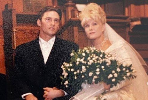 Όλο το love story του  Hugh Jackman & της Deborra-Lee: 13 χρόνια διαφορά - γάμος στους 11 μήνες - οι αποβολές - οι υιοθεσίες - η καραντίνα που τους έδεσε (φώτο-βίντεο)  - Κυρίως Φωτογραφία - Gallery - Video