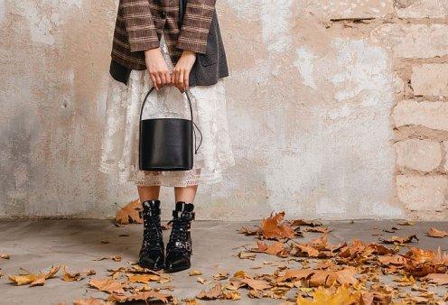 Παπούτσια Φθινόπωρο / Χειμώνας 2021 – 2022: Όλες οι τάσεις που θα φορεθούν φέτος - Punky Oxfords, Clogs, Cowboy boots    - Κυρίως Φωτογραφία - Gallery - Video