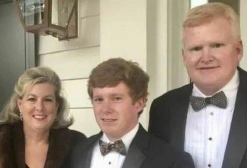 Δικηγόρος οργάνωσε τη δολοφονία του για να πάρει ο γιος του αποζημίωση 10 εκατ! Ο φόνος της συζύγου & του παιδιού του, ο θάνατος της οικιακής βοηθού  - Κυρίως Φωτογραφία - Gallery - Video