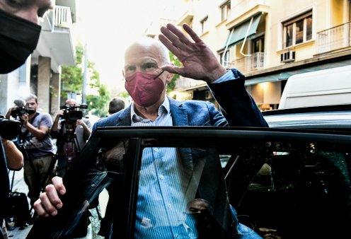Μιχαήλ: Γιατί τελικά κατεβαίνει υποψήφιος ο Παπανδρέου; - Μη φανταζόμαστε ότι θα ξανακάνει το ΚΙΝΑΛ  το κόμμα του 35%-40%, όπως το ΠΑΣΟK  - Κυρίως Φωτογραφία - Gallery - Video