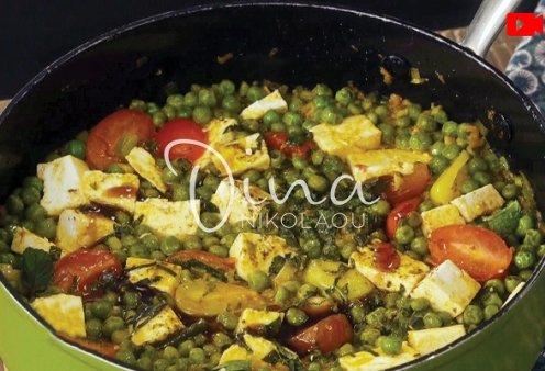 Ντίνα Νικολάου: Σαγανάκι αρακά με ντοματίνια, μανούρι και δυόσμο - θα γίνει ένα από τα αγαπημένα σας λαδερά φαγητά - Κυρίως Φωτογραφία - Gallery - Video