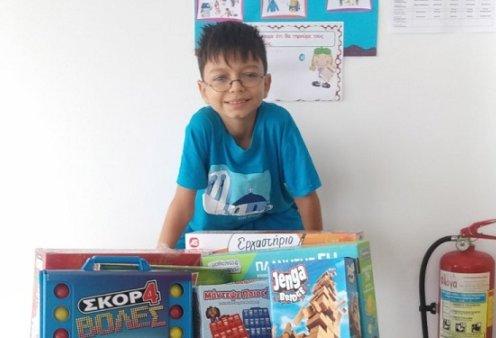 Στο πανέμορφο Μαθράκι ένας 9χρονος μαθητής θα παρελάσει με την ελληνική σημαία - ο μοναδικός & πρώτος μετά από 21 χρόνια (φωτό) - Κυρίως Φωτογραφία - Gallery - Video