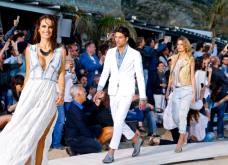 Την Ελλάδα & τη Μύκονο διάλεξε η REPLAY για την παγκόσμια πρεμιέρα