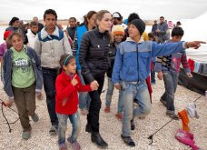 Αντζελίνα Τζολί: «...ηθικό καθήκον να βοηθήσουμε τους πρόσφυγες»  - Κυρίως Φωτογραφία - Gallery - Video 2