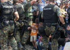 Σπαρακτικές φωτογραφίες με προσφυγόπουλα στα Σκόπια την ώρα των συγκρούσεων με την αστυνομία - Κυρίως Φωτογραφία - Gallery - Video 5