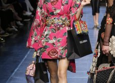 Οι Dolce & Gabbana ερωτεύτηκαν την Ιταλία του 40 & ντύνουν μαγευτικά τις γυναίκες το ερχόμενο καλοκαίρι  - Κυρίως Φωτογραφία - Gallery - Video 9