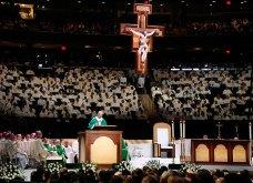 Πώς οι Αμερικανοί έκαναν σούπερ σταρ τον Πάπα - Δείτε συναρπαστικές εικόνες από την τελευταία βραδιά - κονσέρτο - Κυρίως Φωτογραφία - Gallery - Video 20
