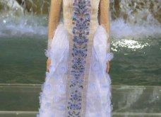 Tα συναρπαστικά κομμάτια του Fendi για τον ερχόμενο Φθινόπωρο - Χειμώνα:  Λαμπερό show στην Fontana di Trevi - Κυρίως Φωτογραφία - Gallery - Video 4