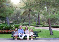 Βασιλιάς Φελίπε & Βασίλισσα Λετίσια: 28 νέες, καλοκαιρινές  φωτό με τα δυο κοριτσάκια τους - Κυρίως Φωτογραφία - Gallery - Video 14