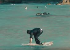 """Βίντεο: Ο Κρητικός έκανε το φτυάρι του κουπι και έγινε """"θαλασσόλυκος"""" - Το ξεκαρδιστικό διαφημιστικό που έσπασε το Internet - Κυρίως Φωτογραφία - Gallery - Video"""