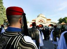 Πλήθος κόσμου στο τελευταίο αντίο στον Κωστή Στεφανόπουλο - Με τιμές αρχηγού κράτους & μεσίστιες τις σημαίες στην Βουλή - Κυρίως Φωτογραφία - Gallery - Video