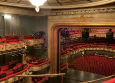 Vintage Story: Όταν το εκπληκτικό κτίριο του Εθνικού Θεάτρου από τον Τσίλερ έκλεισε λόγω χρεοκοπίας - Κυρίως Φωτογραφία - Gallery - Video 4