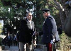 Πλήθος κόσμου στο τελευταίο αντίο στον Κωστή Στεφανόπουλο - Με τιμές αρχηγού κράτους & μεσίστιες τις σημαίες στην Βουλή - Κυρίως Φωτογραφία - Gallery - Video 16