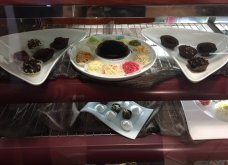 """Μπαρμπαρήγου Truffles: Το ζαχαροπλαστείο που """"ζωγραφίζει"""" 20 διαφορετικές τρούφες & φτιάχνει cookies -γλυπτά - Κυρίως Φωτογραφία - Gallery - Video 2"""