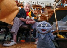 86χρονη γιαγιά ζει στο παραμυθένιο σπίτι της παρέα με 20.000 κούκλες (Φωτό-Βίντεο) - Κυρίως Φωτογραφία - Gallery - Video