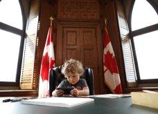 Το πιο γλυκό φωτορεπορτάζ της ημέρας: Ο Τζάστιν Τριντό με τον 3χρονο γιο του μέσα στο Πρωθυπουργικό γραφείο -παιδικό σταθμό - Κυρίως Φωτογραφία - Gallery - Video 3