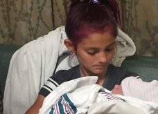 12χρονη με μεγάλη συγκίνηση έκοψε τον ομφάλιο λώρο & βοήθησε στη γέννα του νεογέννητου αδερφού της (Φωτό) - Κυρίως Φωτογραφία - Gallery - Video