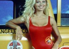Πάμελα Άντερσον: 50 κεριά έσβησε η σεξοβόμβα - Από τον Έλληνα Τόμι Λι ή Θωμά, στον Τζούλιαν Ασάνζ & τώρα σε γάλλο ποδοσφαιριστή - Κυρίως Φωτογραφία - Gallery - Video