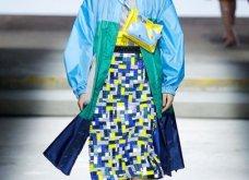 Η Μαίρη Κατράντζου εντυπωσίασε στην Εβδομάδα Μόδας του Λονδίνου – Ρούχα βγαλμένα από ταινίες της Disney - Κυρίως Φωτογραφία - Gallery - Video 20