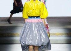 Η Μαίρη Κατράντζου εντυπωσίασε στην Εβδομάδα Μόδας του Λονδίνου – Ρούχα βγαλμένα από ταινίες της Disney - Κυρίως Φωτογραφία - Gallery - Video 36
