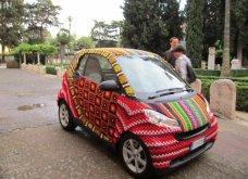45 απίθανα σημεία η οχήματα της πόλης που διακοσμήθηκαν με πολύχρωμα πλεκτά - Κυρίως Φωτογραφία - Gallery - Video 21