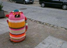45 απίθανα σημεία η οχήματα της πόλης που διακοσμήθηκαν με πολύχρωμα πλεκτά - Κυρίως Φωτογραφία - Gallery - Video 26