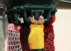 45 απίθανα σημεία η οχήματα της πόλης που διακοσμήθηκαν με πολύχρωμα πλεκτά - Κυρίως Φωτογραφία - Gallery - Video 8