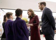 Με μπορντό μίνι η έγκυος για τρίτη φορά Kate Middleton κέρδισε τα βλέμματα με το χαμόγελο και τη λάμψη της (ΦΩΤΟ) - Κυρίως Φωτογραφία - Gallery - Video 14