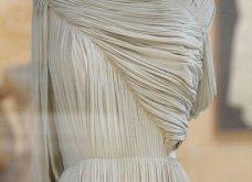 Madame Gres : Η συναρπαστική ιστορία της Γαλλίδας που σχεδίαζε ρούχα με πρότυπο τα ελληνικά αγάλματα (ΦΩΤΟ-ΒΙΝΤΕΟ)  - Κυρίως Φωτογραφία - Gallery - Video 13