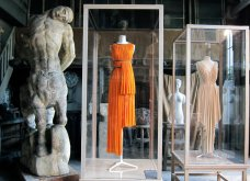 Madame Gres : Η συναρπαστική ιστορία της Γαλλίδας που σχεδίαζε ρούχα με πρότυπο τα ελληνικά αγάλματα (ΦΩΤΟ-ΒΙΝΤΕΟ)  - Κυρίως Φωτογραφία - Gallery - Video 24
