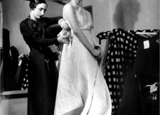 Madame Gres : Η συναρπαστική ιστορία της Γαλλίδας που σχεδίαζε ρούχα με πρότυπο τα ελληνικά αγάλματα (ΦΩΤΟ-ΒΙΝΤΕΟ)  - Κυρίως Φωτογραφία - Gallery - Video 4