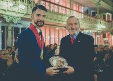 Good News: O διεθνής και ταλαντούχος κύριος Νίκος Φλώρος έλαβε το χρυσό παράσημο από την γεωγραφική εταιρεία της Λισαβόνας (ΦΩΤΟ) - Κυρίως Φωτογραφία - Gallery - Video